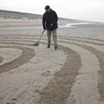 Labyrintpad maken met hark, Wassenaar 2011